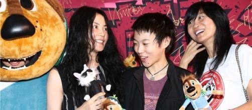 Faye Wong and Dou Jingtong show up for 'Rock Dog' - Chinadaily.com.cn - com.cn