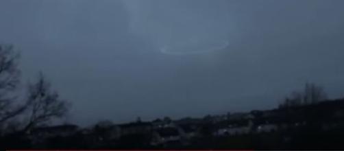 Será que um ovni surgiu durante tempestade na América do Norte? (UFO Today)