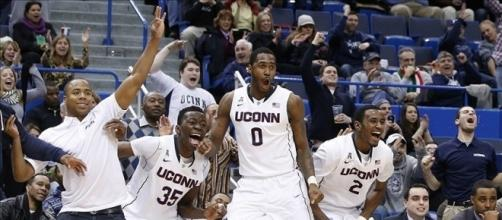 South Florida at Connecticut final score: UConn Huskies blitz USF ... - fansided.com