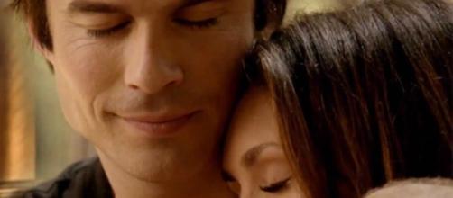 The Vampire Diaries: Damon e Elena ficam cara a cara novamente.