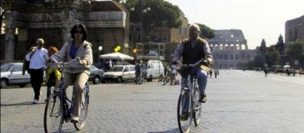 Blocco auto Roma: orari stop al traffico