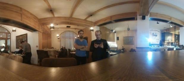 Dani Otil împreună cu Dumitru Rusu, managerul de la Brandvertising Media