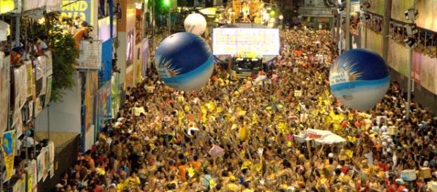 O carnaval da Bahia espalha alegria e músicas inesquecíveis