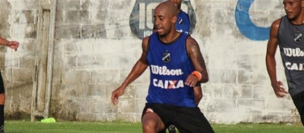 Rafael Amoroso teve passagem pelo ABC.