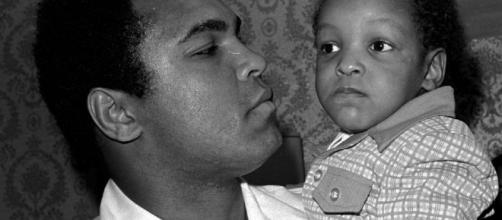 Muhammad Ali's son asked, 'Are you Muslim?' by border agents - bcdemocrat.com