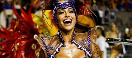 Sabrina Sato, sem costeiro no desfile da Gaviões da Fiel