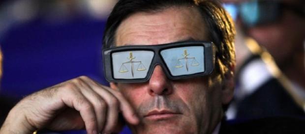 Pour François Fillon, être mis en examen pour le Penelopegate devient une réalité virtuelle