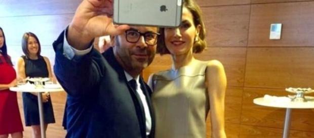 SORPRENDENTE SELFIE ENTRE JORGE JAVIER VAZQUEZ Y LA REINA LETIZIA ... - selfiesfamosos.com