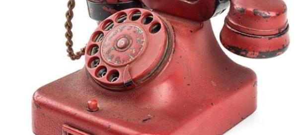 Telefone foi arrematado por R$ 755 mil (Foto: Divulgação/Alexander Historical Auctions)