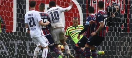 L'azione del gol dell'attaccante isolano, Joao Pedro.