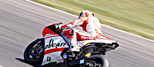 La Ducati in pista senza alette