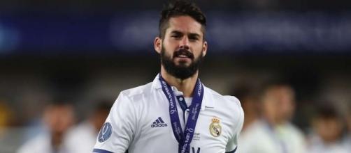 Real Madrid's Isco hints at joining Malaga on Twitter, not Tottenham - 101greatgoals.com