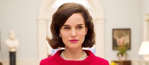 What 'Jackie' Star Natalie Portman Thinks The Trumps & The ... - bustle.com