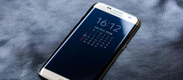 Sony batteries may make an appearance in Samsung S8 (Flickr/Janitors)