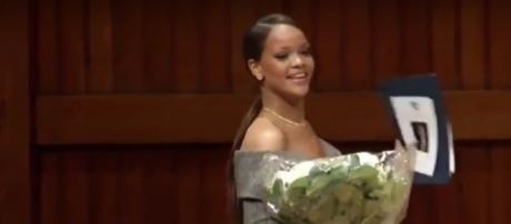 Premiazione di Rihanna ad Harvard