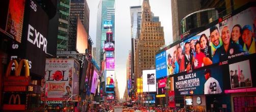 Aspecto parcial de Time Square. Public Domian