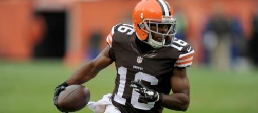 Cleveland Browns Player Destroyed On Nasty Hit (Video) - fansided.com