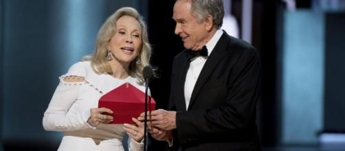 El recorrido del sobre que marcó los Oscar - vozpopuli.com