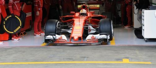 Ferrari SF70H impegnata nei test di Barcellona