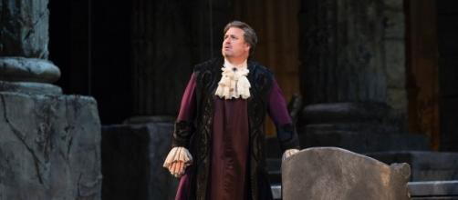 Idomeneo (Matthew Polenzani) struggles over a holy oath requiring he slay his son. Photo: Marty Sohl/Metropolitan Opera, used with permission.