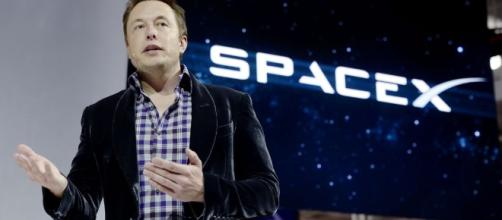 SpaceX is planning to send a rocket to Mars in just 2 years - Vox - vox.com