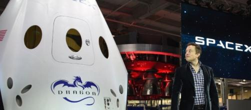 Audio: SpaceX to take two private passengers to the moon | 89.3 KPCC - scpr.org