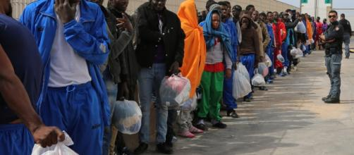 Immigrazione clandestina misure per contrastarla e trasformarla in flussi accettabili