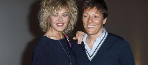 Isola 12, Eva Grimaldi omosessuale?