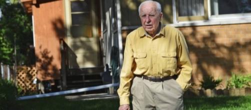 Michael Karkoc é acusado de comandar massacre na Polônia durante a Segunda Guerra Mundial