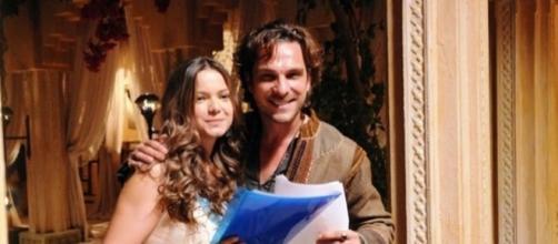 Milena Toscano e Igor Rickli em O Rico e Lázaro