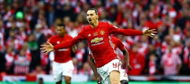 Football Angleterre - League Cup : Ibrahimovic offre le titre à ... - foot01.com