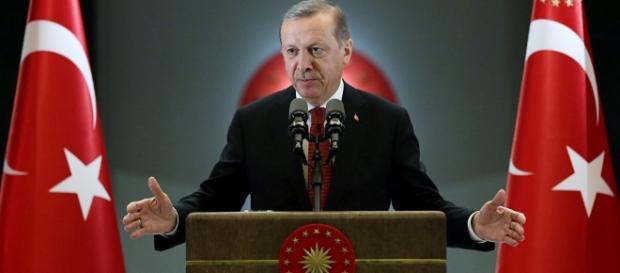 Meta da operação militar turca na Síria é eliminar apenas grupos