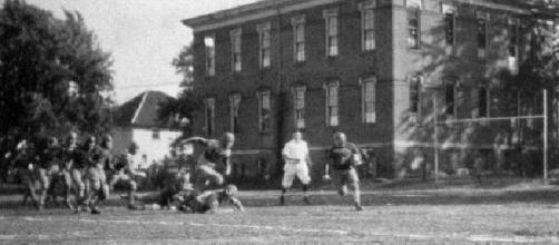 Bowling Green football game in 1921 (Credit: photographer unknown, public domain due to date, wikimedia.org)