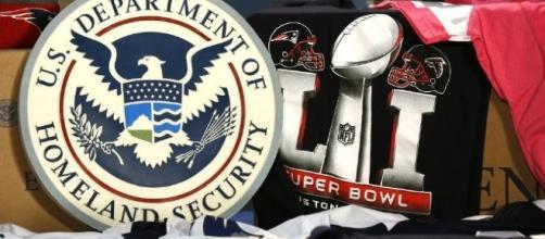 Counterfeit souvenirs seized from Super Bowl LI /Glenn Fawcett/U.S. CBP Public Domain
