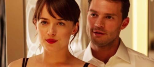 Dakota Johnson and Jamie Dornan| POPSUGAR Entertainment - popsugar.com