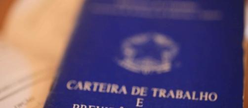 Nove mil trabalhadores têm seguro-desemprego bloqueado por fraudes - metropoles.com