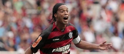 Ronaldinho shock: torna al Barcellona, ma si ritira dal calcio