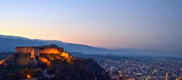 Sicurezza in città: spray al peperoncino alla polizia di Cosenza