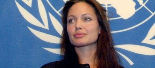 Jolie sempre posta seus artigos no jornal The New York Times