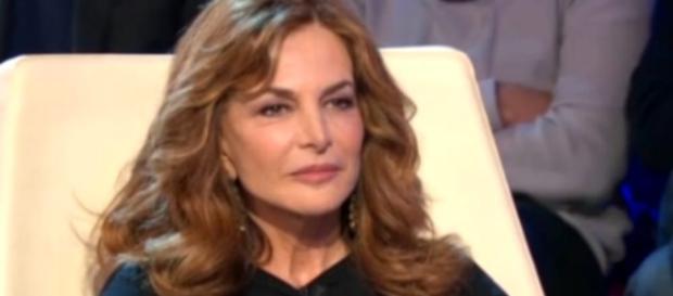 Giuliana De Sio ospite a Verissimo, intime rivelazioni sulla sua vita di donna ribelle.
