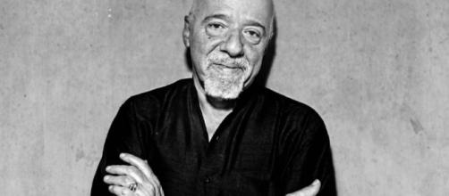 33 Paulo Coelho Quotes About Love, Life and The Alchemist - everydaypowerblog.com