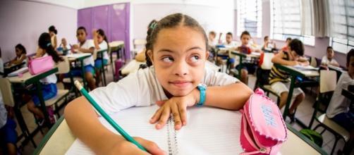 Alunos com deficiências devem ser inclusos em salas de aula regulares
