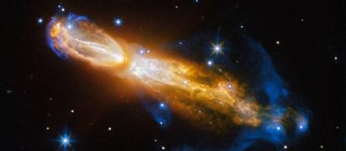 "Hubble Captures Brilliant Star Death in ""Rotten Egg"" Nebula - SpaceRef - spaceref.com"