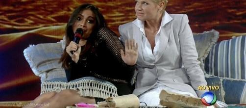 Xuxa se irrita com Anitta em seu programa