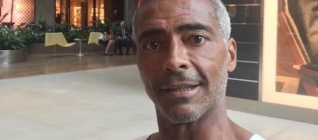 Ex-jogador e senador, Romário (PSB-RJ)