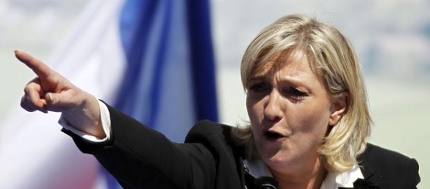 Microsoft] Marine Le Pen dénonce « l'espionnage généralisé » de ... - journaldugeek.com