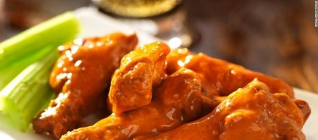 Play call: Buffalo Wild Wings hiking prices - Oct. 28, 2014 - cnn.com