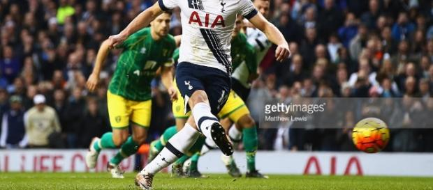 Tottenham Hotspur v Norwich City - Premier League Photos and ... - gettyimages.com