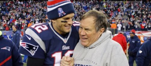 Dupla histórica do futebol americano conquistam, juntos, o quinto título para o New England Patriots (usatoday.com)