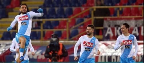 Il Napoli ne segna 7 al Bologna: record di goal, Hamsik sulla scia di Maradona.